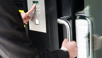 Security-&-Safety-Solutions